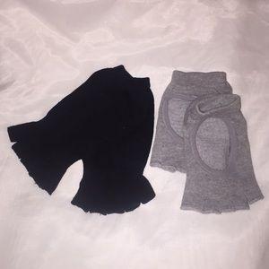 2 Pairs of Yoga/Pilates Grippy Socks